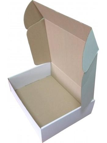 Коробка (300 х 240 х 90), белая